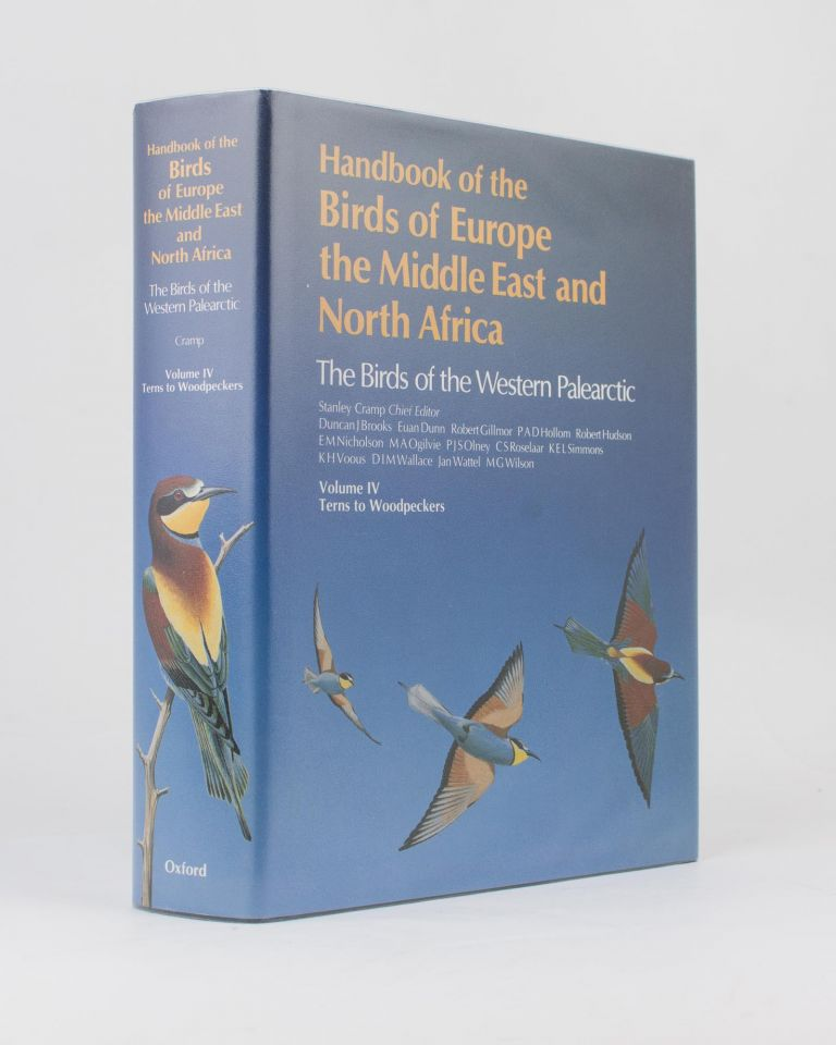 Handbook of the Birds of Europe, the Middle East and North Africa. The Birds of the Western Palearctic. Volume IV. Terns to Woodpeckers. Stanley CRAMP, chief.
