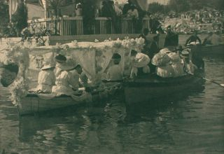 Henley-on-Torrens Regatta. A vintage carbon print (visible image size 183 × 256 mm). John KAUFFMANN